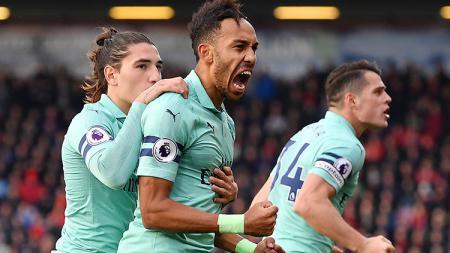 Pierre-Emerick Aubameyang berselebrasi usai mencetak gol ke gawang Bournemouth. - INDOSPORT