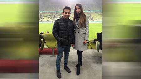 Wasit cantik Polandia, Karolina Bojar, akhrinya bertemu dengan Egy Maulana Vikri di Stadion Energa Gdansk. - INDOSPORT