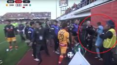 Indosport - Kericuhan yang terjadi di laga Liga Jepang.
