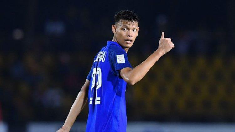 Pemain Buriram United, Supachai Jaided saat berseragam Timnas Thailand. Copyright: Fox Sports PH