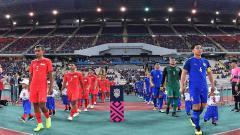 Indosport - Timnas Thailand vs Singapura di Piala AFF 2018.