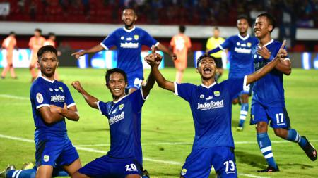 Aksi selebrasi pemain Persib Bandung U-19 setelah Ilham Qolba mencetak gol ke gawang Persija. - INDOSPORT