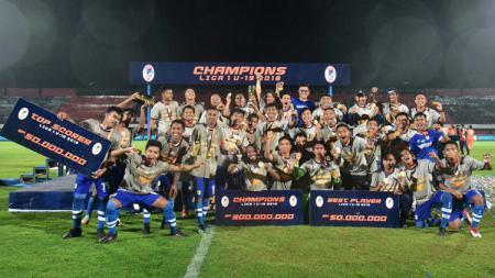 Persib Bandung U-19 meraih gelar juara Liga 1 U-19 2018, Senin (26/11/18). - INDOSPORT