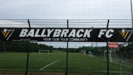 Ballybrack FC klub Irlandi yang mengumumkan pemainnya meninggal dunia - INDOSPORT