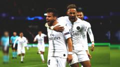 Indosport - Selebrasi Juan Bernat (kiri) dan Neymar (kanan) saat pertandingan PSG vs Liverpool di Liga Champions, Kamis (29/11/18).