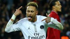 Indosport - Selebrasi Neymar usai cetak gol ke gawang Liverpool