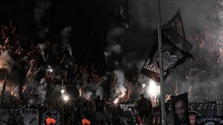 Fans PAOK yang tak memiliki tiket akan serbu Stamford Bridge - INDOSPORT