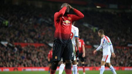 Ekspresi kekecewaan striker Manchester United, Romelu Lukaku ketika gagal mencetak gol. - INDOSPORT