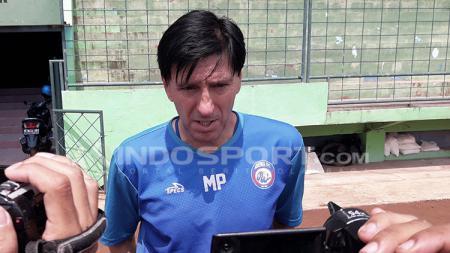 Milan Petrovich, pelatih Arema FC. - INDOSPORT