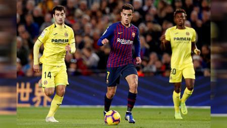 Coutinho (kiri) tengah membawa bola - INDOSPORT