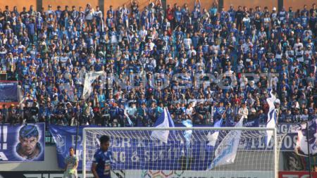 Kelompok suporter pecinta PSIS Semarang, Panser Biru mengusulkan tim kebanggaannya menggunakan Daerah Istimewa Yogyakarta sebagai homebase lanjutan Liga 1 2020. - INDOSPORT
