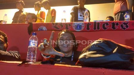 Terdapat suporter Persija Jakarta di pertandingan Bhayangkara FC VS PSM Makassar - INDOSPORT