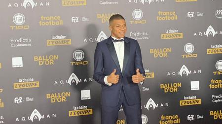 Kylian Mbappe saat di red carpet Ballon d'Or. - INDOSPORT