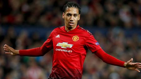 Chris Smalling, bek tengah Manchester United. - INDOSPORT