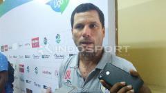Indosport - Oswaldo Lessa, pelatih Persipura Jayapura.