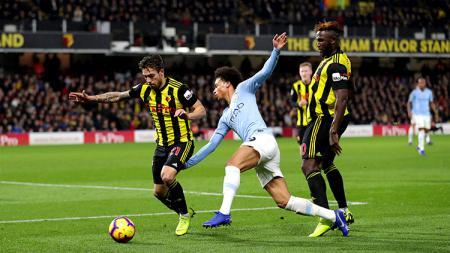 Leroy Sane (tengah), yang kini membela klub Liga Inggris, Manchester City, kabarnya jadi incaran tiga klub papan atas Eropa. - INDOSPORT