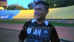 Indosport - Pelatih Kiper Persipura, Alan Haviludin.