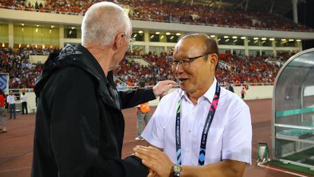 Pelatih Timnas Vietnam, Park Hang-seo dan Sven Goran-Eriksson. - INDOSPORT