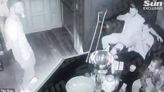 Indosport - Pemain Arsenal Menghirup Gas Tawa di Pesta Pribadi
