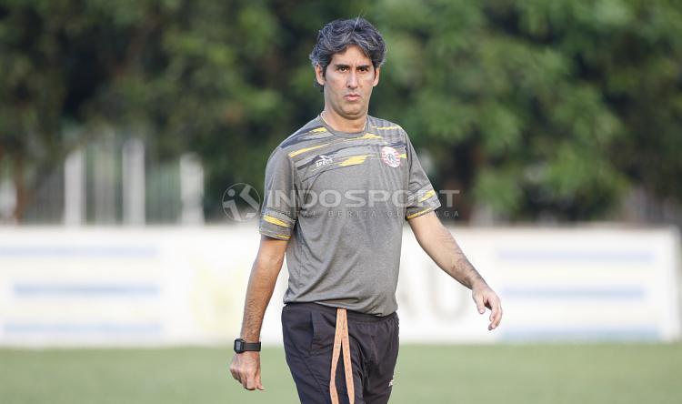 Pelatih Persija Jakarta, Stefano Cugurra Teco. Copyright: Herry Ibrahim/INDOSPORT