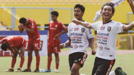 PEmain Bali United U-16 berselebrasi usai taklukan Persija jakarta U-16. - INDOSPORT
