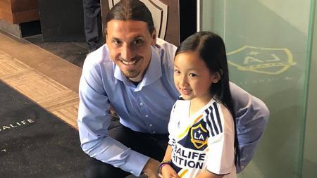 Malea Emma bersama dengan Zlatan Ibrahimovic - INDOSPORT