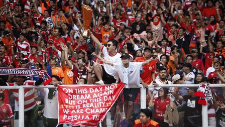 Euforia Jakmania di laga Persija Jakarta vs Mitra Kukar.