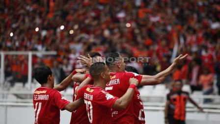 Selebrasi Marko Simic usai cetak gol pertama dalam laga Persija Jakarta vs Mitra Kukar melalui titik putih.