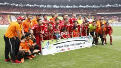 Indosport - Skuat Persija Jakarta dalam pertandingan terakhir Liga 1 musim 2018.