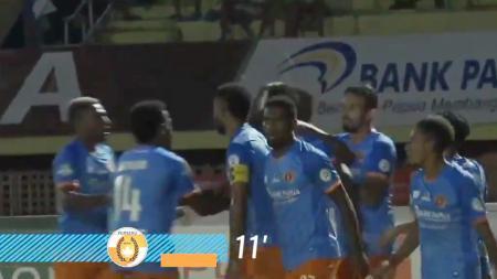 Persipura Jayapura vs Serseru Serui - INDOSPORT
