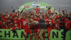 Indosport - Pemain Persija Jakarta saat merayakan kemenangannya.
