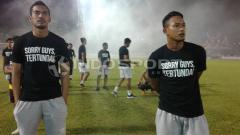 Indosport - 2 Pemain PSM Makassar hanya bisa meratap nasib setelah mengetahui timnya gagal menjadi juara Liga 1 2018.