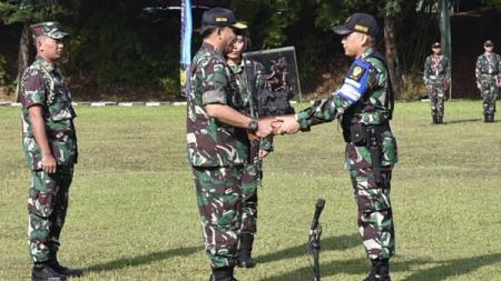 Prajurit TNI meningkatkan kualitas menembak - INDOSPORT
