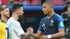 Indosport - Lionel Messi dan Kylian Mbappe di Piala Dunia 2018