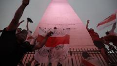 Indosport - Fans River Plate memenuhi ibukota Buenos Aires untuk merayakan kemenangan atas Boca Juniors