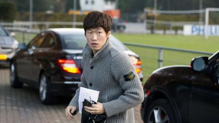 Park Ji-sung menyatakan Manchester United dipastikan merekrut pemain pada bursa transfer musim dingin mendatang. - INDOSPORT