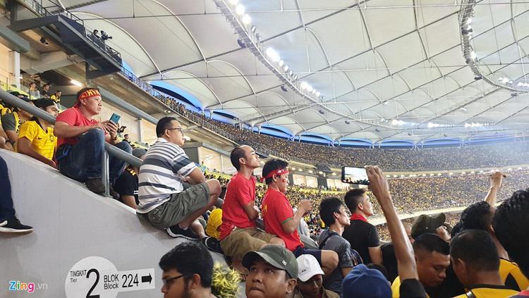 Suporter Vietnam di Stadion Bukit jalil, Malaysia. Copyright: zing.vn