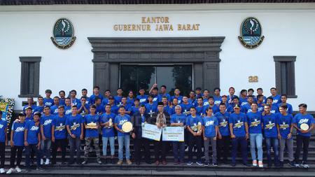 Pemerintah Jawa Barat apresiasi prestasi Persib U-16 dan U-19. - INDOSPORT