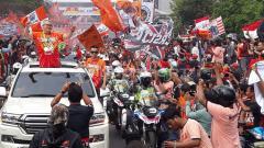 Indosport - Para Jakmania lakukan konvoi juara Liga 1 2018.