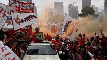 para Jakmania lakukan konvoi Juara Liga 1 2018