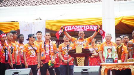 Anies Baswedan, Gubernur DKI Jakarta, mengutarakan sebuah janji saat menghadiri acara perpisahan Bambang Pamungkas dengan Persija Jakarta. - INDOSPORT