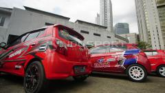 Indosport - Mobil peserta Red Car Community of Indonesia (RCCI).