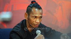 Indosport - Rochi Putiray saat diskusi Jawa Pos PSSI Harus Baik.