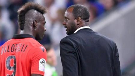 Mario Balotelli kini bermain di bawah arahan mantan rekannya, Patrick Vieira. - INDOSPORT
