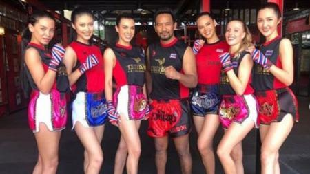 Miss Universe Jalani Muay Thai - INDOSPORT