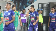 Indosport - Pemain PSIS Semarang: (Dari kiri) Safrudin Tahar, Bayu Nugroho, Komarudin.