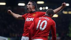 Indosport - Robin van Persie melakukan selebrasi pasca cetak gol ke gawang Arsenal