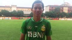 Indosport - Adam Alis saat berseragam Bhayangkara FC