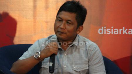 Manajer Madura FC Januar Herwanto saat acara diskusi PSSI Harus Baik di Graha Pena. - INDOSPORT