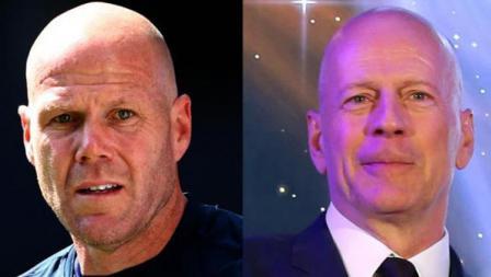 Mantan kiper Timnas Amerika Serikat, Brad Friedel dan Bruce Willis, aktor asal Jerman.